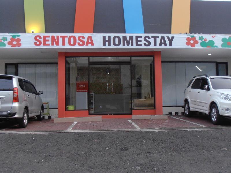 Sentosa Homestay سورابايا