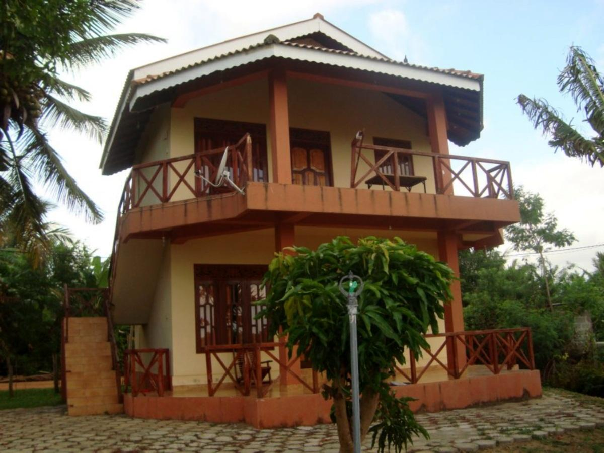 Lake view cottage - Hotels and Accommodation in Sri Lanka, Asia
