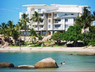 Coral Cove Apartments Whitsundays - Beach