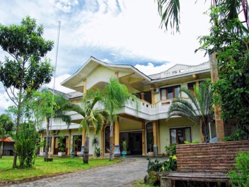 Hotel Museum Batik - Hotels and Accommodation in Indonesia, Asia