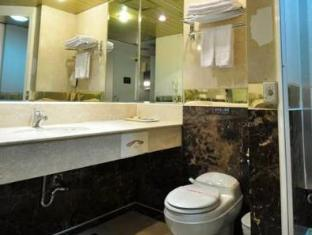 King of France Palace Hotel Taipei - Bathroom