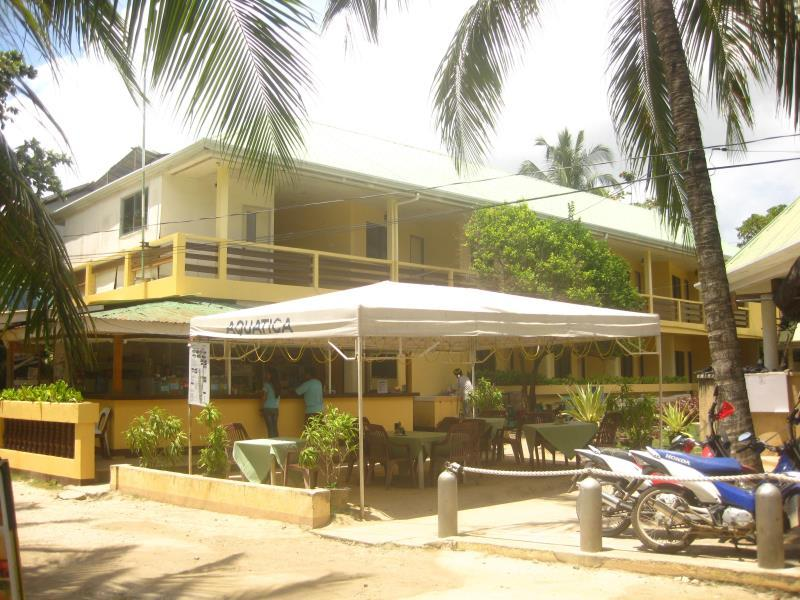 Aquatica Beach Resort Bohol - Restaurace