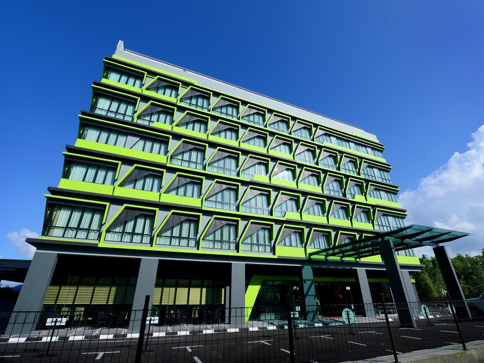 56 ホテル クチン