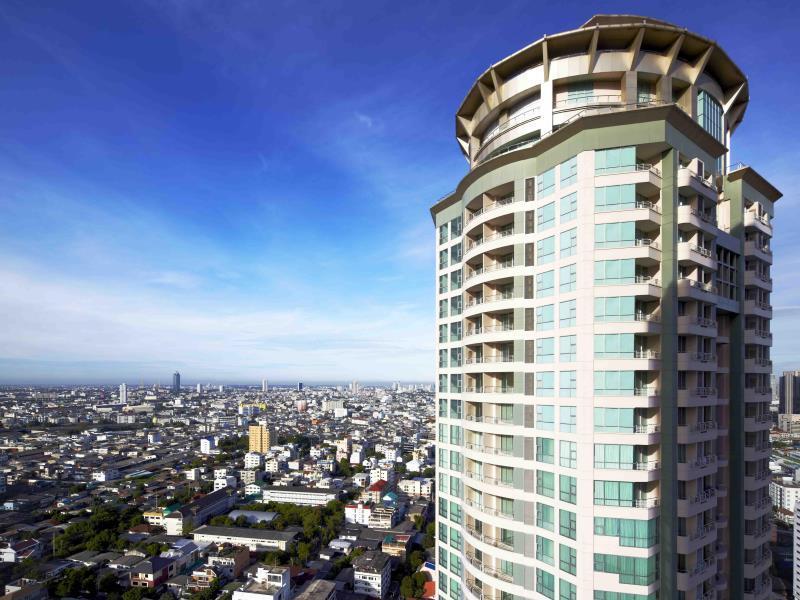 Oaks Bangkok Sathorn Hotel