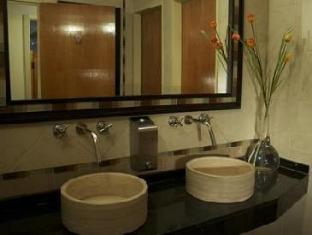 Best Western Capital Hotel Stockholm - Bathroom