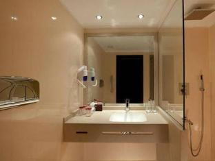 Jaz Minerva Cruise Hotel Luxor - Bathroom