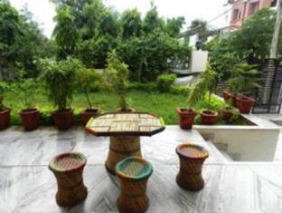 Nirvana Hostel Jaipur - Garden Side Sitting
