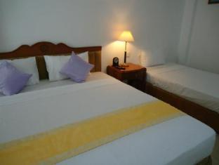 Hotel Stargazer Colombo - Triple Room