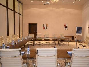 Novotel Abu Dhabi Gate Hotel Abu Dhabi - Meeting Room