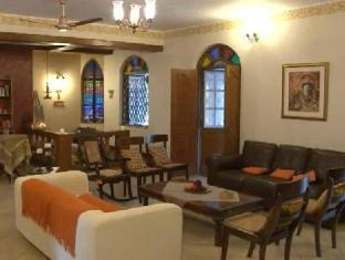 Stain Glass Cottage South Goa - Inne i hotellet