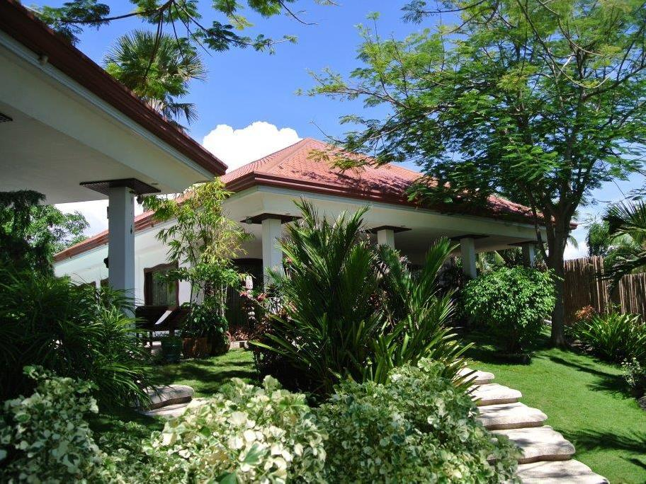 Casa Margaritha - Hotels and Accommodation in Philippines, Asia