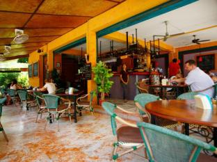 cafe del sol guesthouse