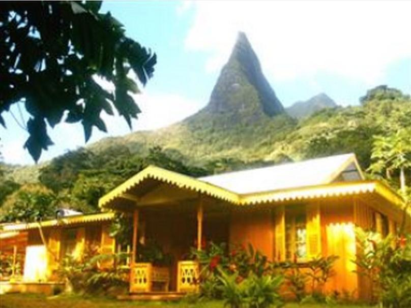 Ecolodge la maison de la nature central moorea moorea island french polyn - Maison de la nature meudon ...