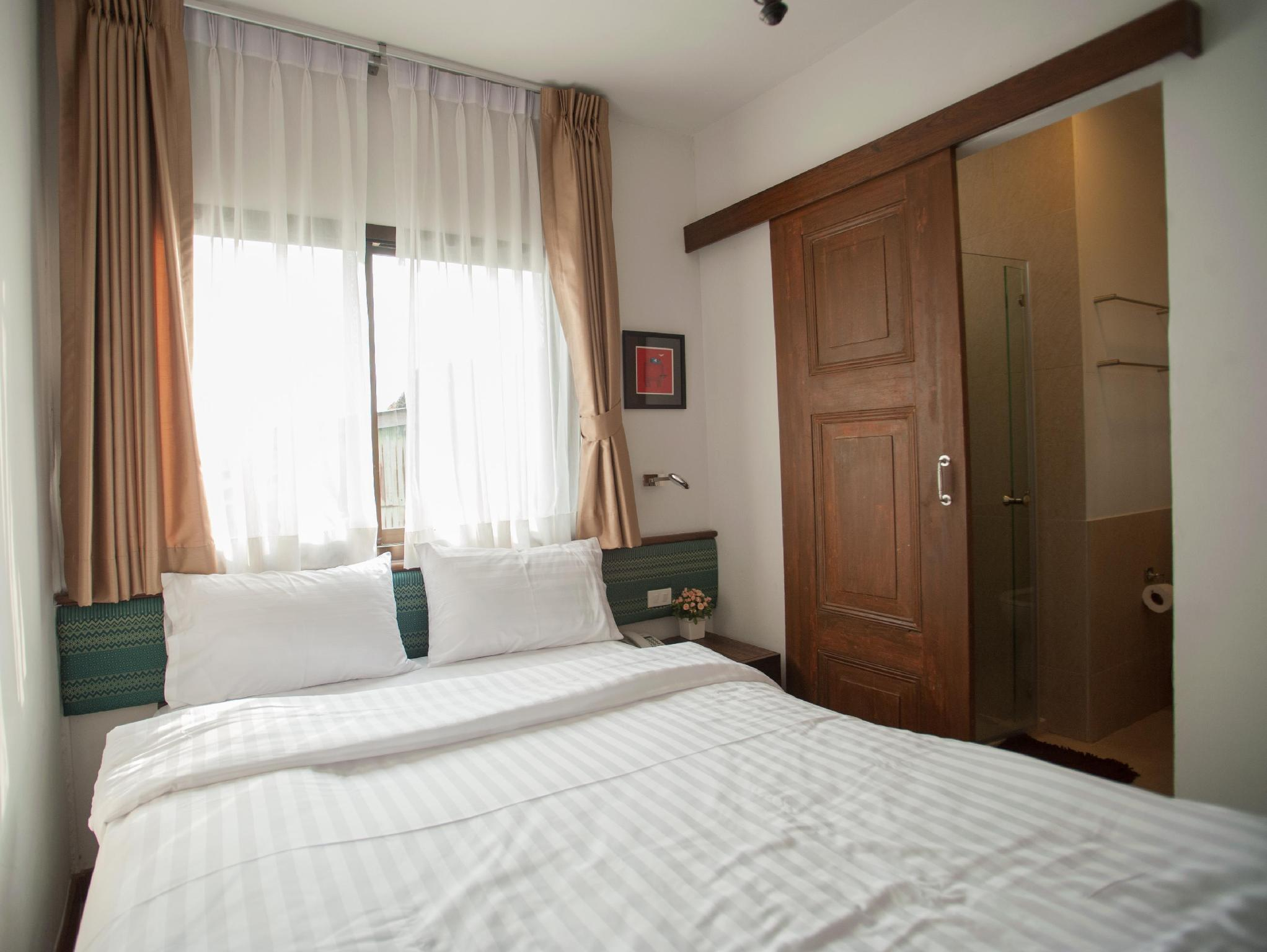 Chetuphon Gate Bangkok - Deluxe Double Bed