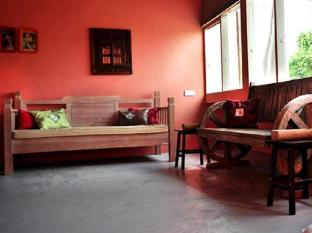 The Nook Bed & Breakfast Kuching - Cafe