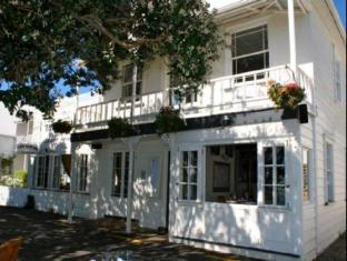 The Gables   New Zealand Budget Hotels