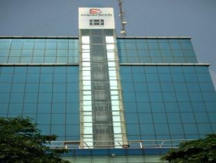 Hotel Hyphen Noida