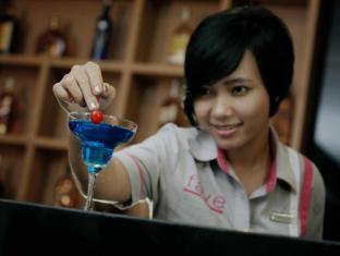 favehotel Bypass Kuta Bali - Mat og drikke