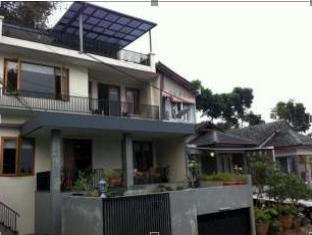 Alamat Hotel Murah The Green Hill Villa Bandung