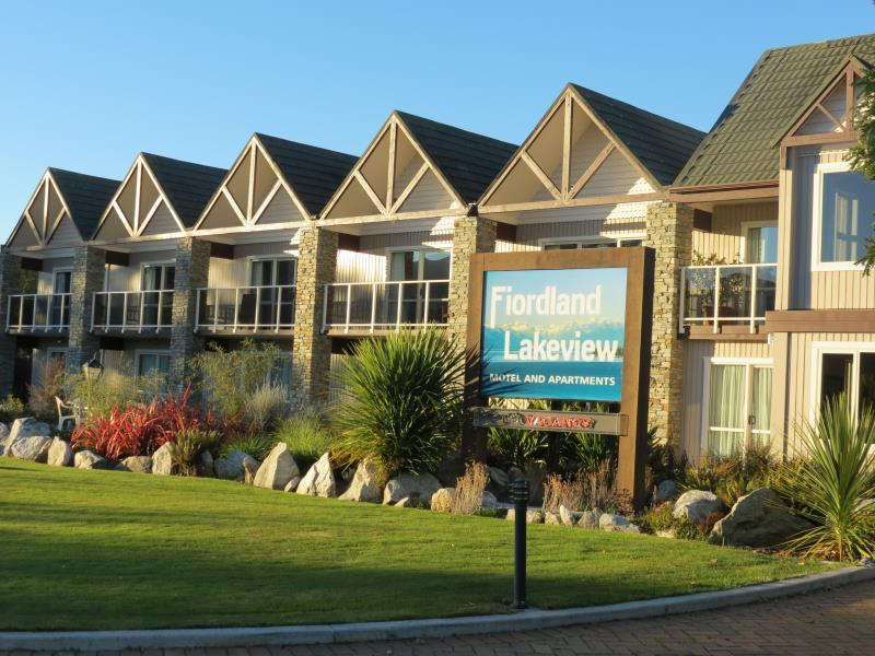 Fiordland Lakeview Motel & Apartments - Hotels and Accommodation in New Zealand, Pacific Ocean And Australia