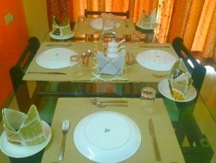 Humming Bird - Sagar Heights Apartment Mumbai - Hotellet indefra