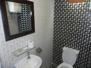The River View Hotel Phnom Penh - Bathroom