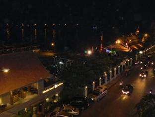 The River View Hotel Phnom Penh - Night View