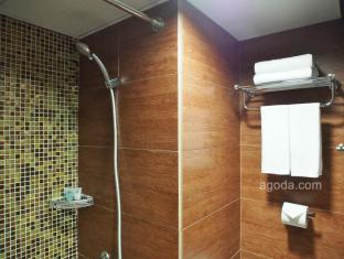 Best Western Grand Hotel Hong Kong - Bathroom