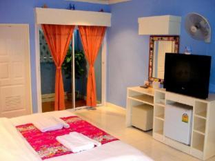 Sukkee Beach Resort Pattaya - Standard Room (Captain)