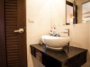 The Aim Sathorn Hotel Bangkok - Bathroom