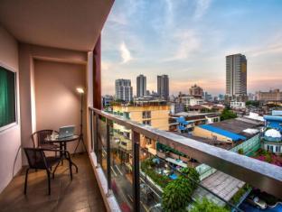 The Aim Sathorn Hotel Bangkok - Balcony/Terrace