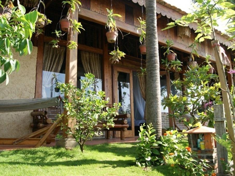 Paradise Hills Wooden Bungalow Mui Ne