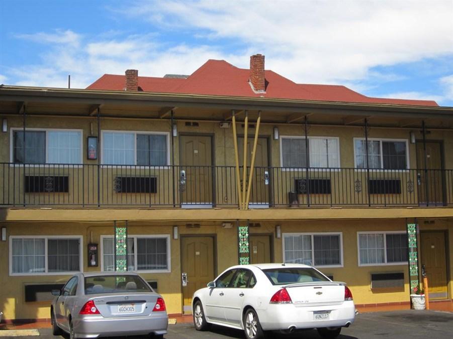 Civic Center Lodge Motel