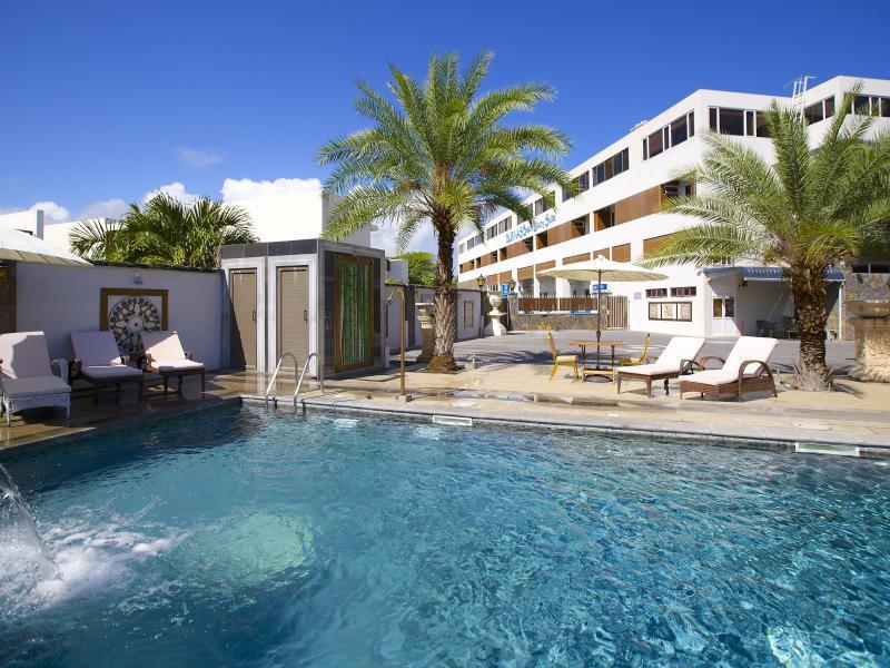 Bur-Nas Beach Apartment