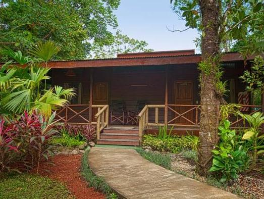 Pachira Lodge - Hotels and Accommodation in Costa Rica, Central America And Caribbean