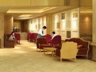 Lander Hotel Prince Edward Honkonga - Kafejnīca