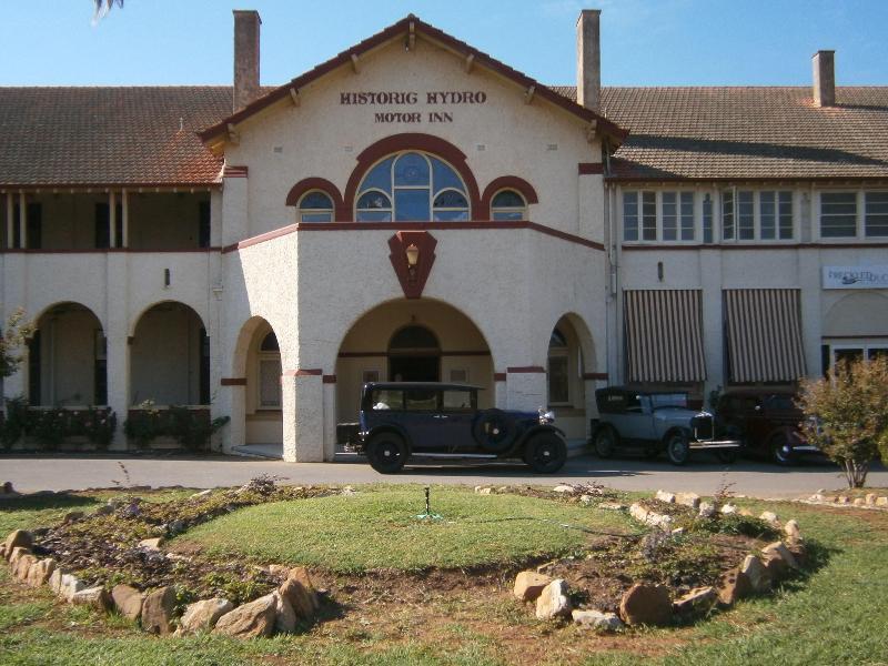 Historic Hydro Motor Inn - Hotell och Boende i Australien , Leeton