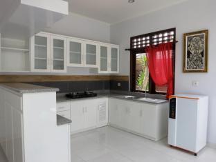 Daivani Villa Bali - Kitchen