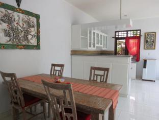 Daivani Villa Bali - Dining Area