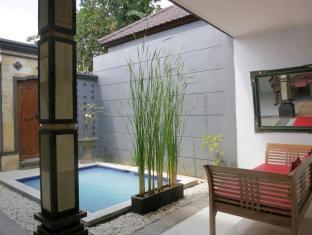 Daivani Villa Bali - Swimming Pool