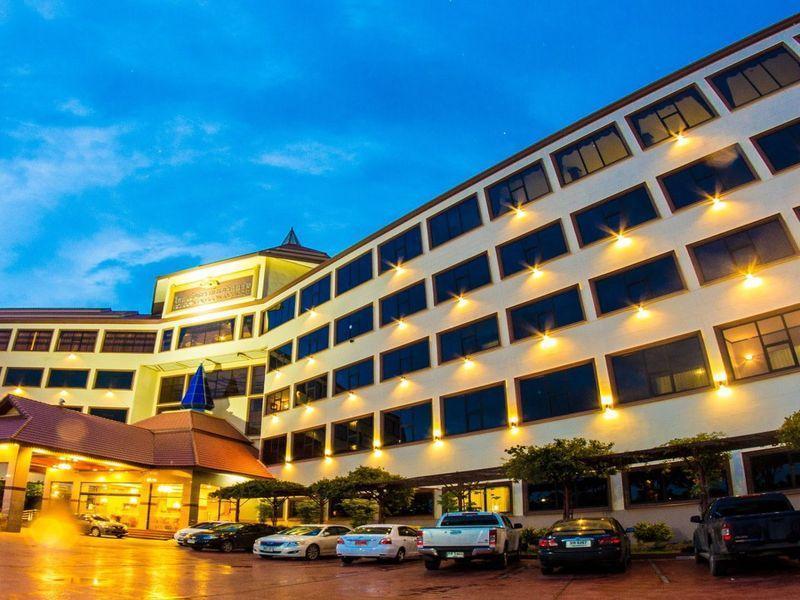 Golden Dragon Resort - Sing Buri