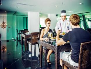 Nara Grandeur Hotel Patong Phuket - Food, drink and entertainment