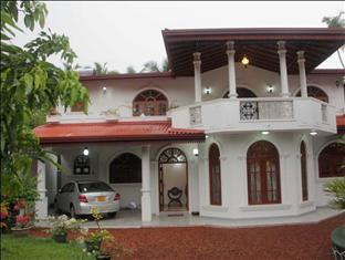 Rolanco Villa - Hotels and Accommodation in Sri Lanka, Asia