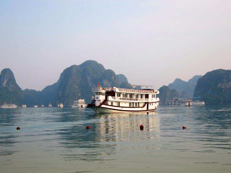 Monkey Island Cruise - Hotell och Boende i Vietnam , Halong