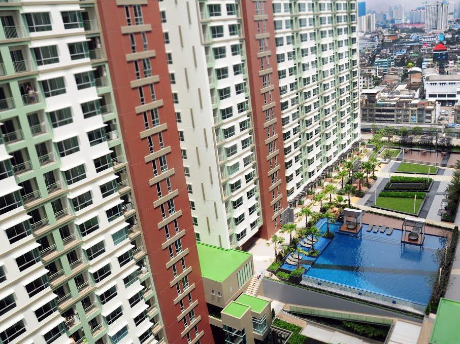 Lumpini Park Riverside Condominium