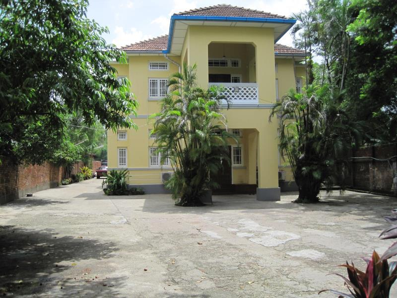 Golden Guest Inn - Hotels and Accommodation in Myanmar, Asia