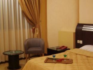 Grand Sirao Hotel Medan - Guest Room