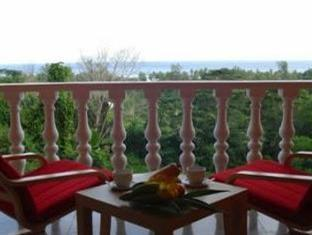 Albizia Lodge Reef Estate