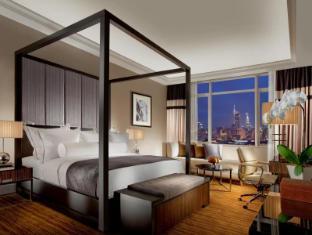 The Majestic Hotel Kuala Lumpur - Tower Wing Kuala Lumpur - Deluxe Room in Tower Wing - Bedroom