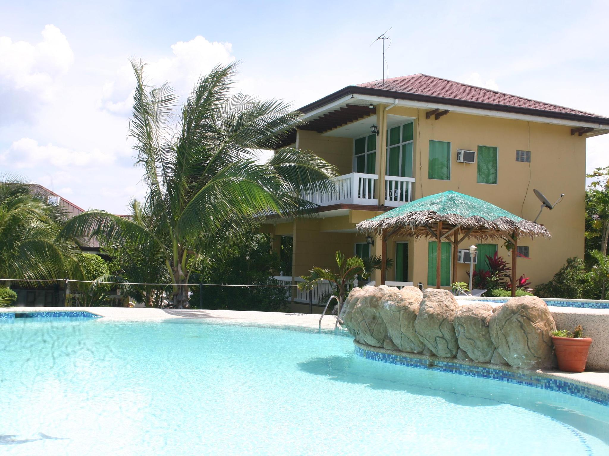 Moalboal Beach Resort Cebu - Swimming pool